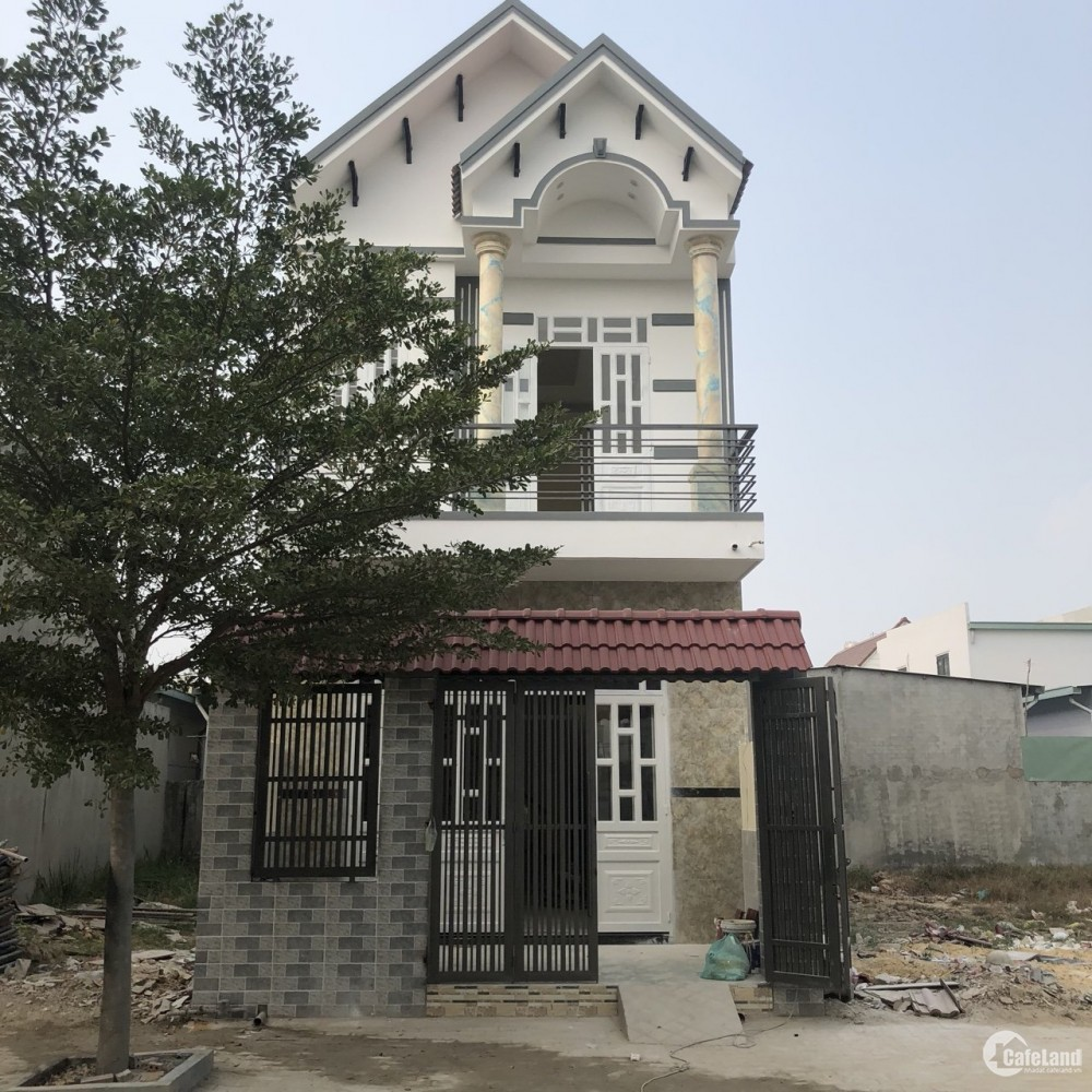 tô có căn nhà mặt tiền tỉnh lộ  9 ,sổ hồng riêng ,đức hoà  long an