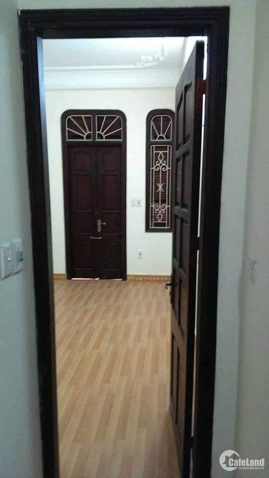 Bán nhà ngõ 190 Hoàng Mai, ô tô đỗ cửa, 31m2, 4 tầng, 2.68 tỷ. LH Phú 0945262238