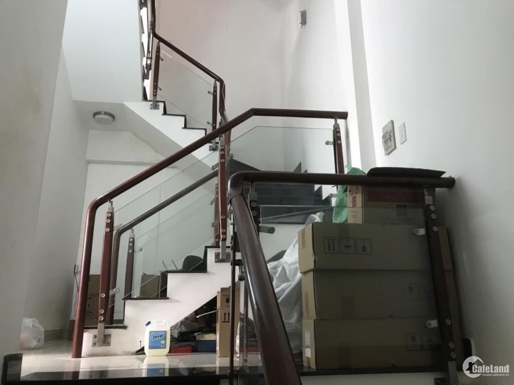 Bán gấp căn nhà MT đường hồ hảo hớn,Q1, 83m2,1 trệt 3 lầu có sân thượng,giá 9,9