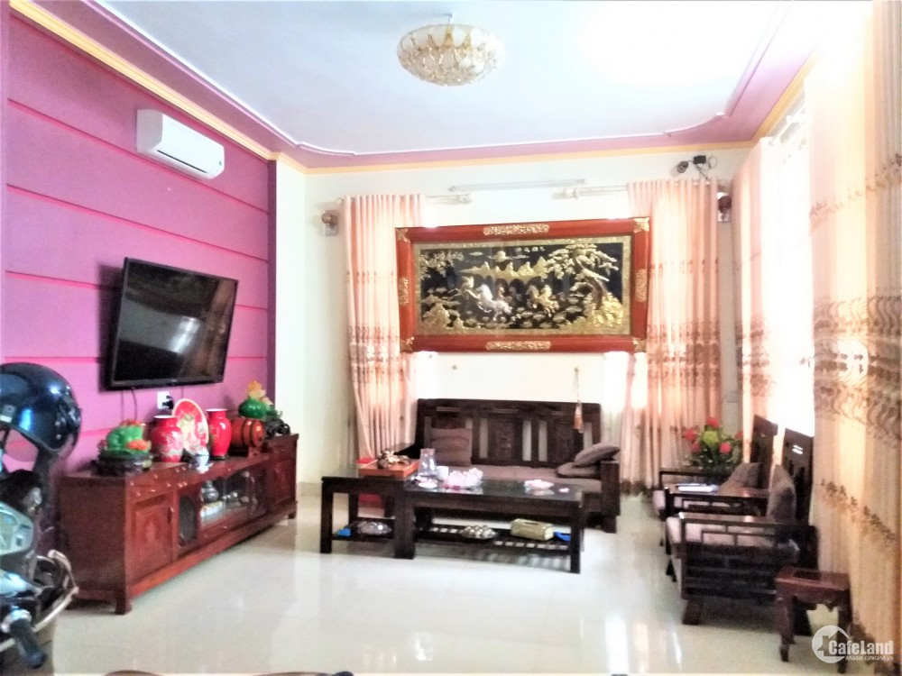 Bán Nhà 3 Tầng Km5 rung Tâm Thành Phố Yên Bái
