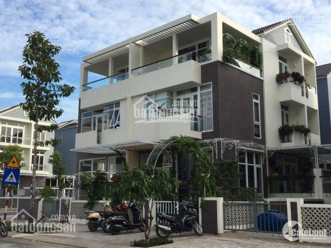 Cho thuê Biệt thự cao cấp ven sông Quận 7 - đầy đủ nội thất