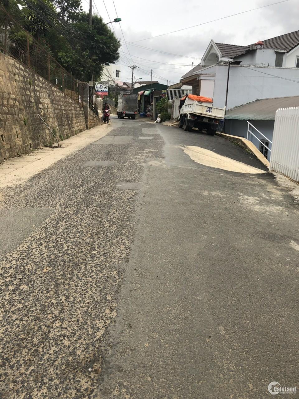 Cần bán gấp  lô đất xây dựng đường Nguyễn An Ninh phường 6 thành phố Đà Lạt