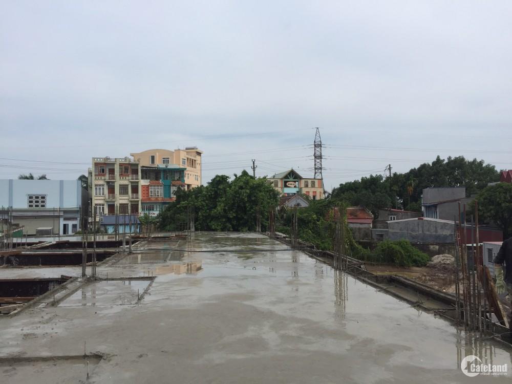 Nhà 4 tầng ven sông cạnh siêu thị Aeonmall