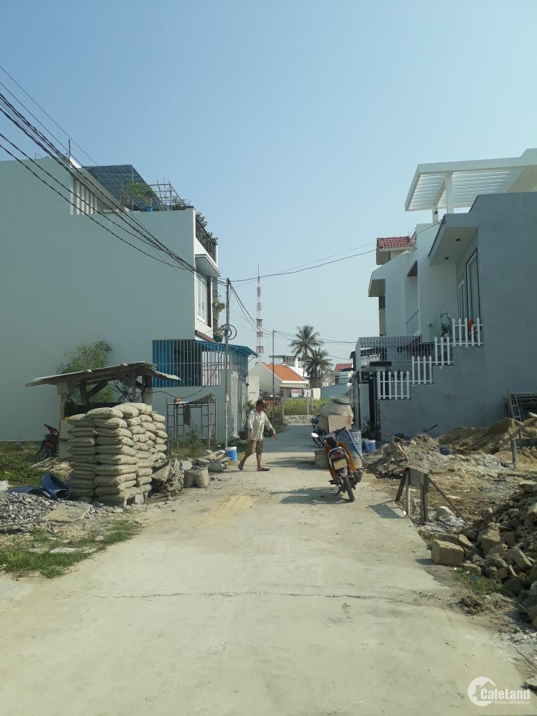 Đấthẻm café Ngọc Bích, đường Cầu Dứa, Phú Nông Nha Trang đường bê tông 5m cần bá