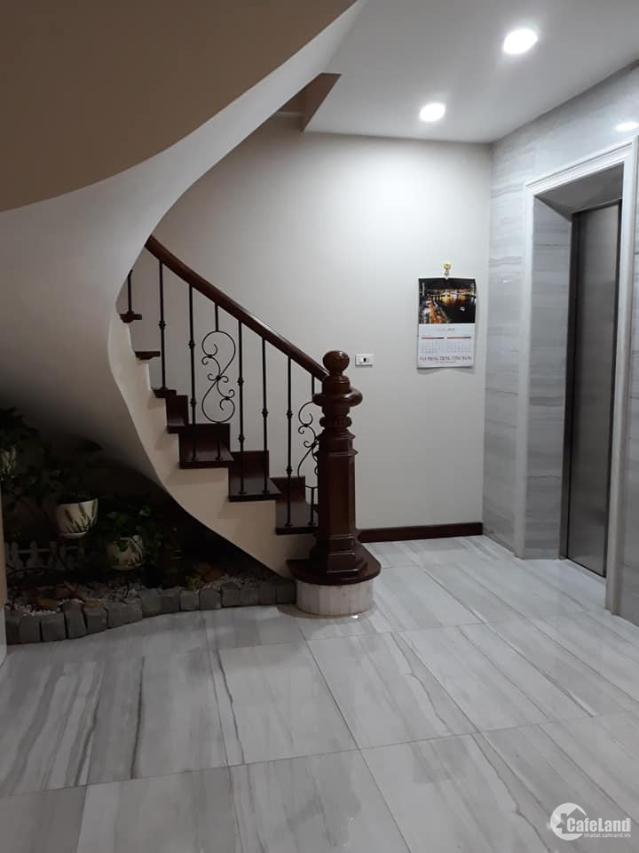 Cho Thuê Nhà Mặt Phố Thái Thịnh 33m x 4t