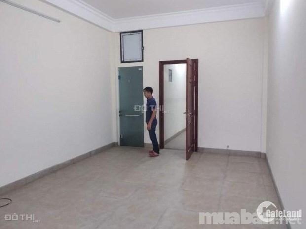 Cho thuê nhà ở Lạc Trung, 70m x3 tầng, 15tr/th