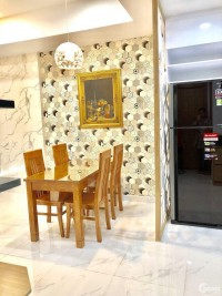 Cần bán gấp căn hộ cao cấp Hùng Vương plaza Quận 5, Dt : 132 m2 3PN, 3WC