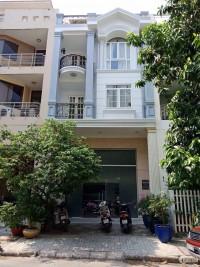 Cần bán khách sạn 11 phòng khu Hưng Phước mé chung cư Sky Garden, PMH