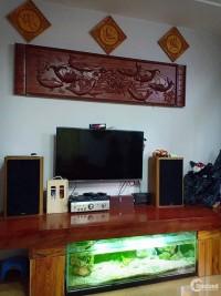 Nhà 3 tầng kiệt Nguyễn Sinh Cung để lại nội thất gắn tường