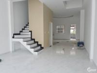 Nhượng căn nhà 2 tầng hướng Nam - 105m2 - mặt tiền 5m