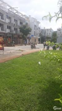 Chính chủ cần bán nhà ngay đường Tên Lửa,cách Aeon 800m,DT 100m2,sổ riêng.