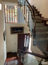 Nhà HÀO NAM 40m2, 4 tầng, LH: 0383730455.