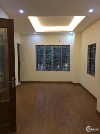 Cho thuê nhà riêng ngõ 49 Huỳnh Thúc Kháng, 50m2*4T, nhà thoáng mát, lô góc.