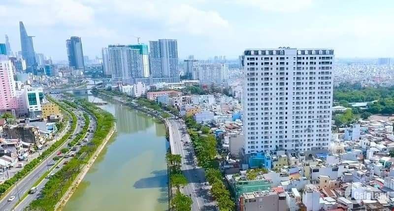 Chính chủ cần bán căn hộ 4PN 139m2 giá 6 tỷ nằm ngay mặt tiền Bến Vân Đồn