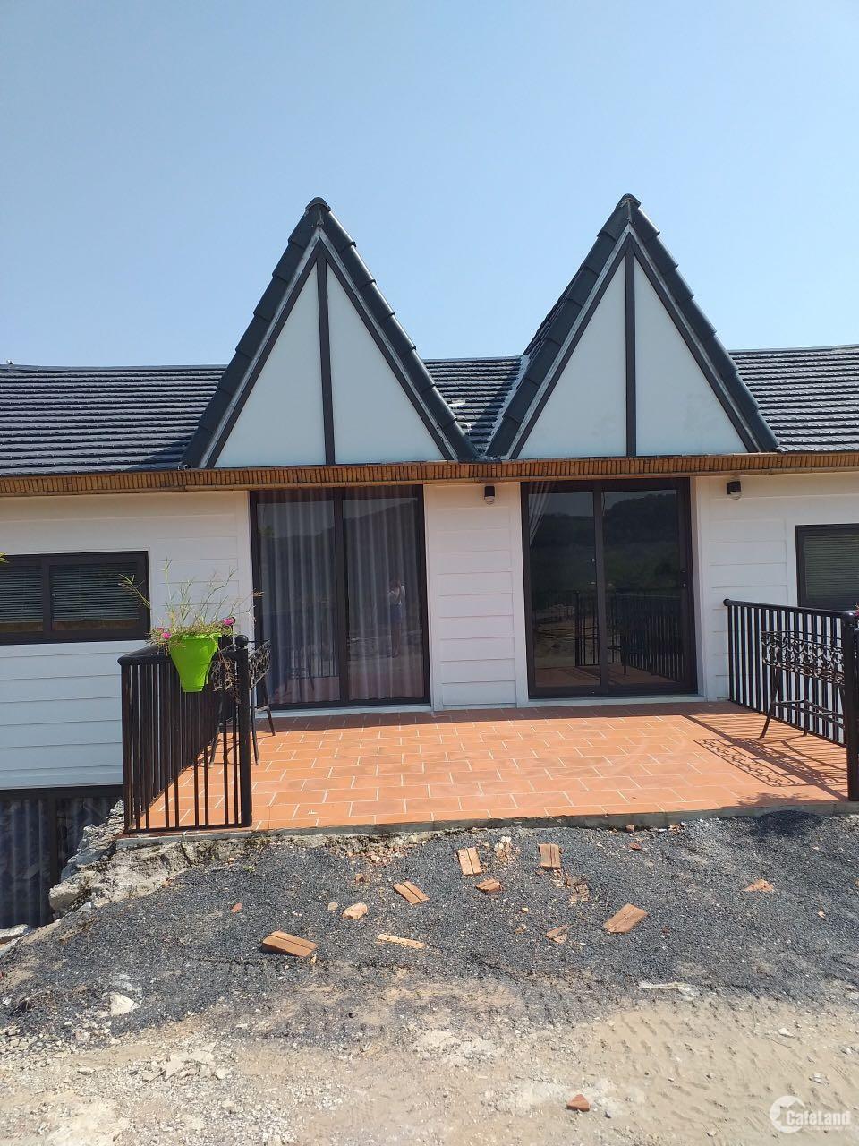 Bán biệt thự nghỉ dưỡng Hòa Bình, DT 400m2 full nội thất, 3 phòng ngủ g