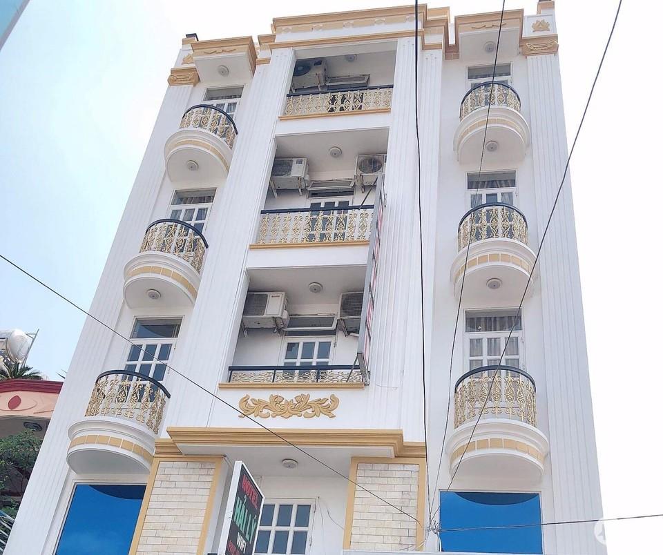 Bán khách sạn 4 tầng đẹp, KD tốt tại đường số 6, P Bình Chiểu,Thủ Đức