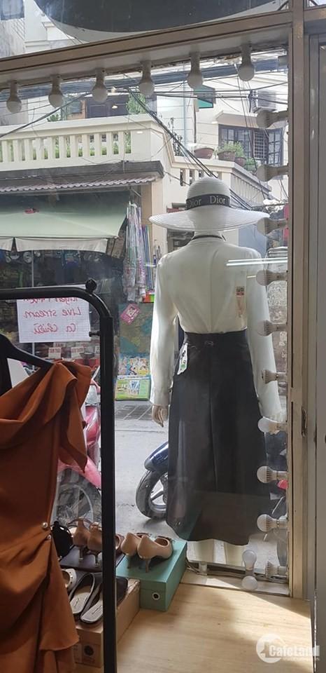 Bán nhà mặt phố Pháo Đài Láng, Kinh Doanh, Đống Đa. DT: 50m2, MT 4.2m. Giá 6.6tỷ