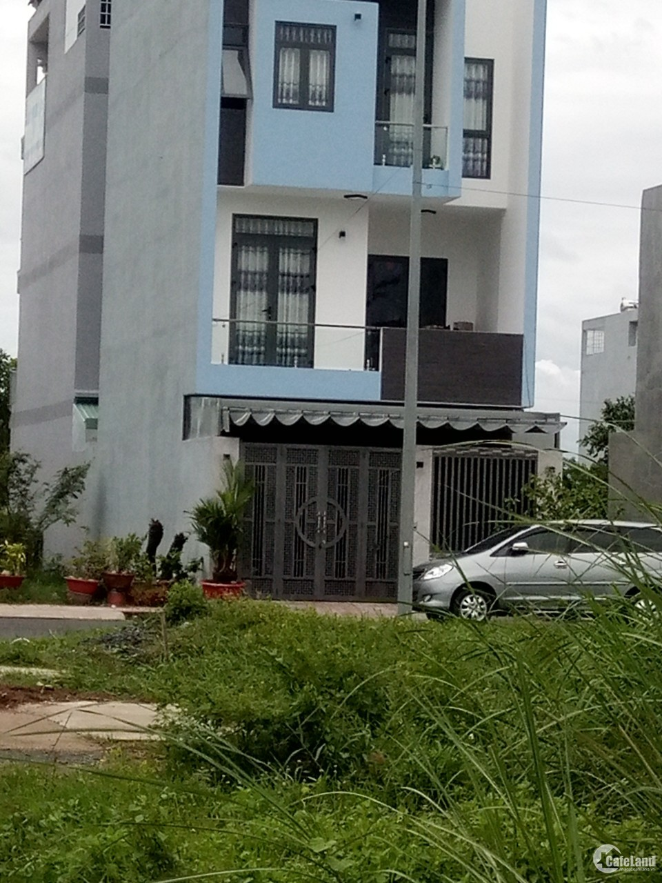Bán nhà 5.5x17m khu đô thị Five Star mặt tiền đường Đinh Đức Thiện, Bình Chánh (