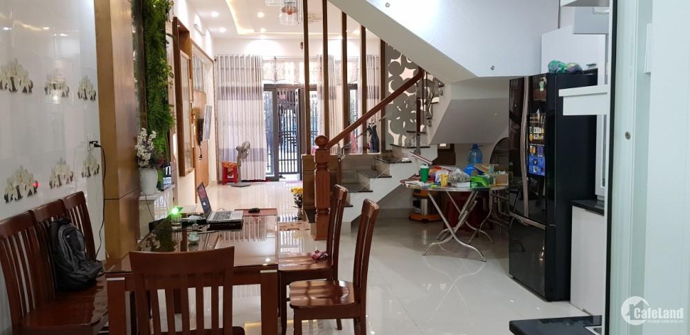 Bán nhà 2 tầng MT đường Tôn Đức Thắng, nhà đẹp mặt tiền buôn bán sầm uất, giá: 2