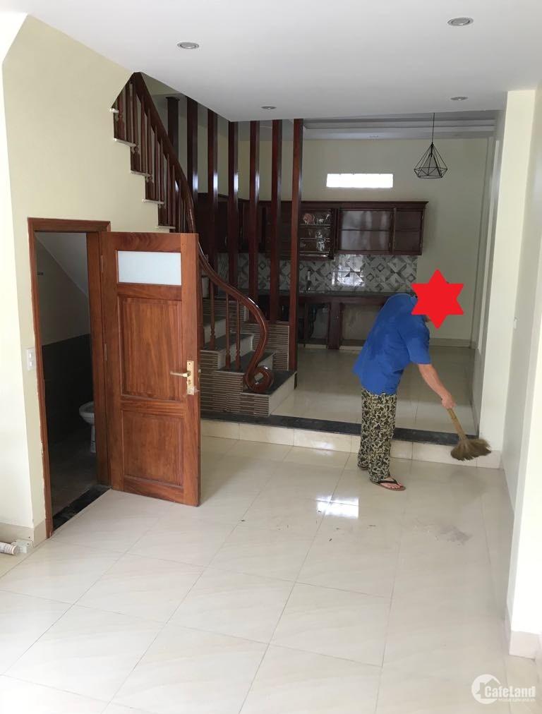 Cần bán gấp nhà ở Ngọc Thụy, Long Biên 40m2, 4t, mt 3.8m, giá 2.65 tỷ