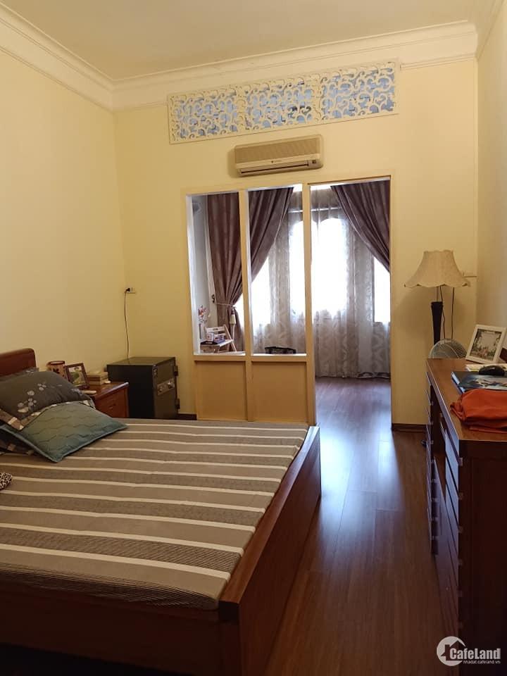 Chính chủ Cần bán một ngôi nhà đẹp 4 tầng tại phố Giang Văn Minh 40,5m2 giá 3 tỷ