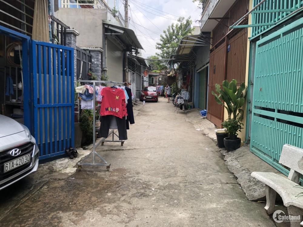 Bán nhà 2 lầu 1 trệt, nhà sau chợ đông hòa dĩ an, giá rẻ