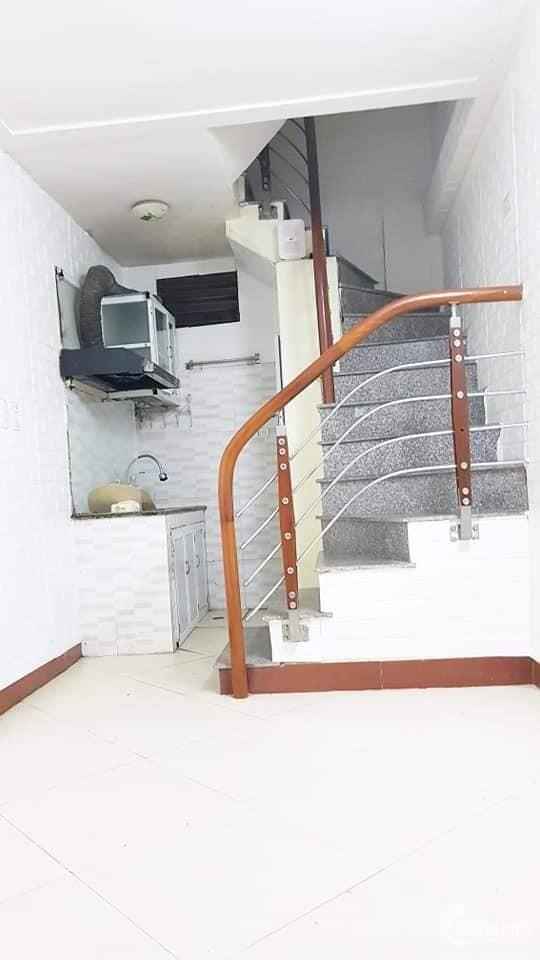 Bán nhà ngõ 16 Lê Thanh Nghị, 2 mặt thoáng, 15m2, 3 tầng, 1.85 tỷ.