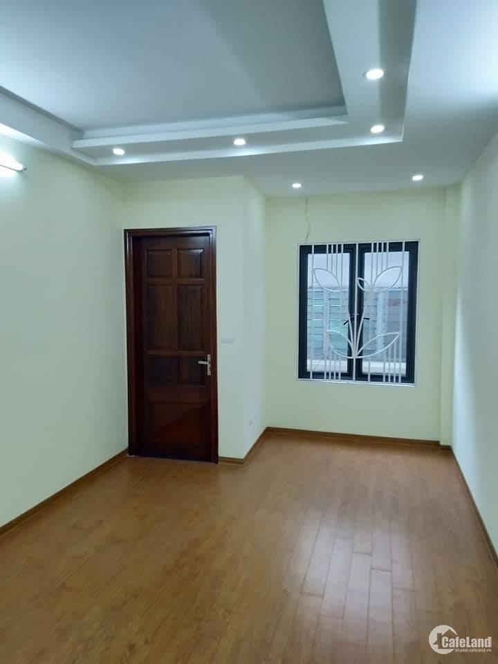 Bán nhà đẹp Lê Thanh Nghị 32m2*5 tầng, ngõ thông Giải Phóng, rất gần mặt phố, 3.