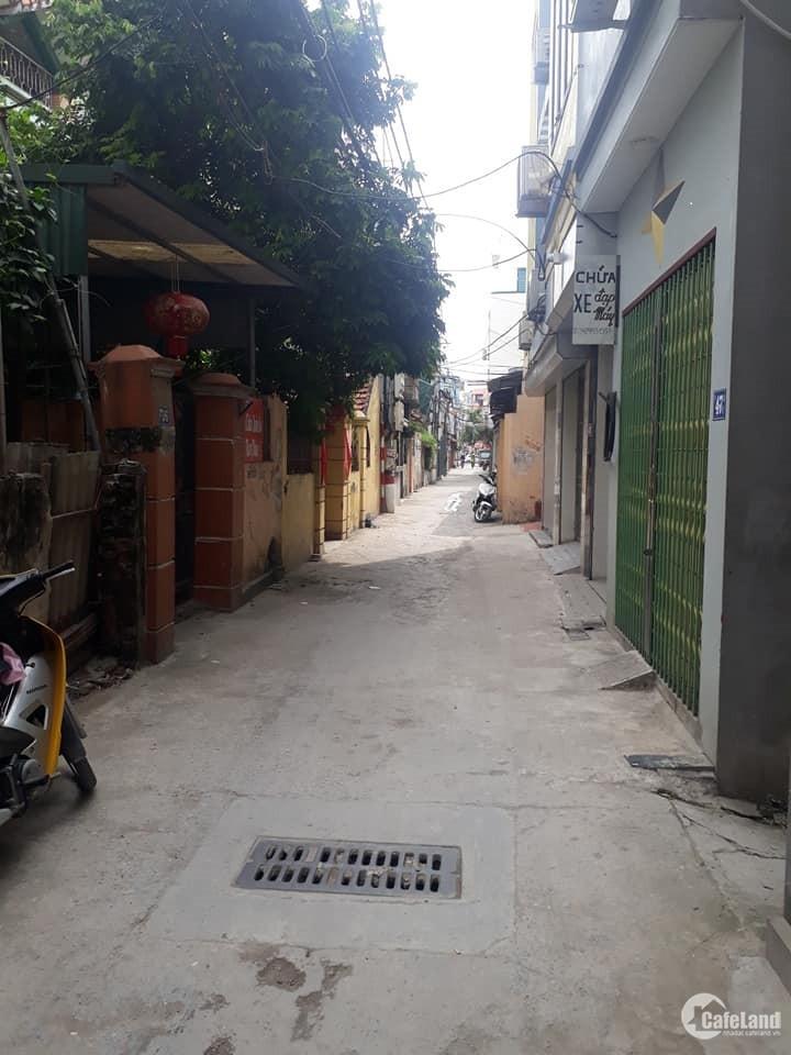 Bán nhà quận Hoàng Mai,nhà đẹp ở ngay,oto đỗ cửa