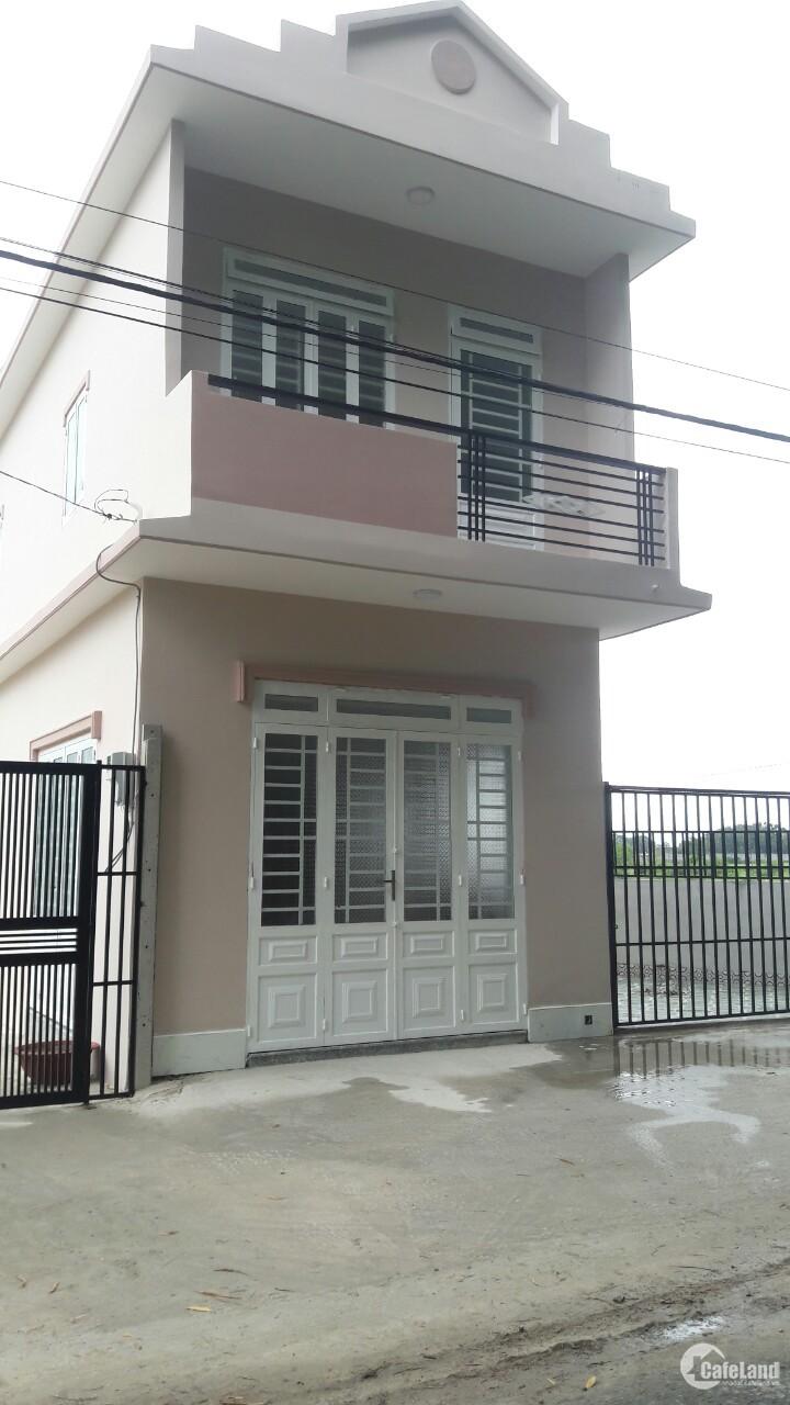 Bán nhà mặt tiền đường mới xây gần bên ủy ban ,trường học giá 750tr Lh 090130123