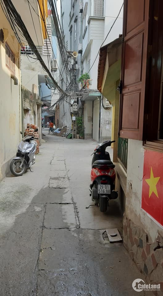Cần bán rẻ nhà Kim Giang, Thanh Xuân 39m chỉ 2.35 tỷ!