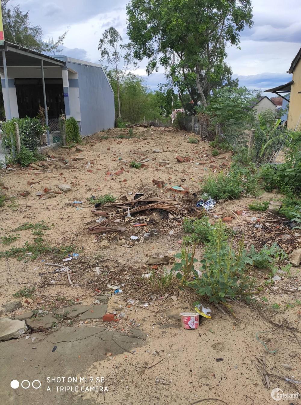 Chính chủ bán nhanh lô đất 250m2 mặt tiền đường Trần Thủ Độ giá siêu rẻ.