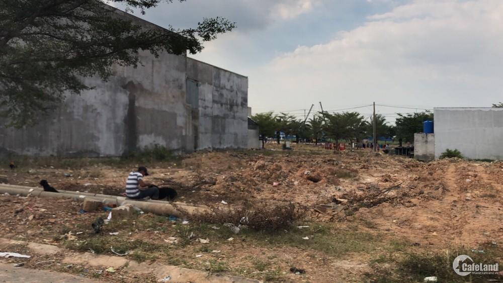 Cần bán 500m2 đất thổ cư mặt tiền Nguyễn Thị Rành, cách QL22 3km. Sổ hồng riêng