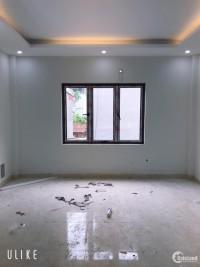 Bán nhà xây mới tại phường Thạch Bàn. Diện tích 30m2, giá 1,85 ty