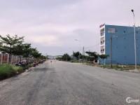 cần tiền gấp bán đất Víta Land 90m2 .mặt tiền đường tỉnh lộ 823c view sông thầy