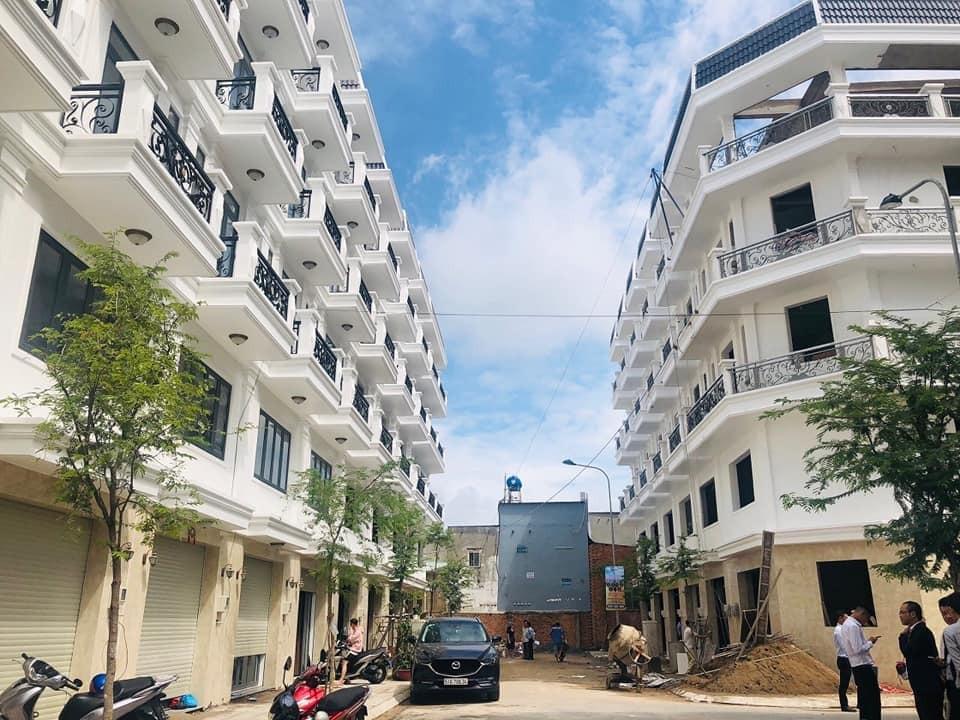 Nhà cao cấp SONG MINH đường Lê Thị Riêng quận 12