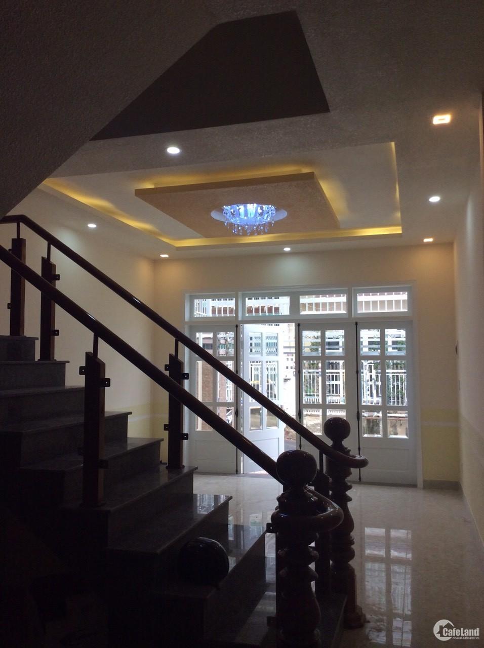 Bán nhà đồi 52 đường Trần Anh Tông, phường 8, TP. Đà Lạt, giá tốt