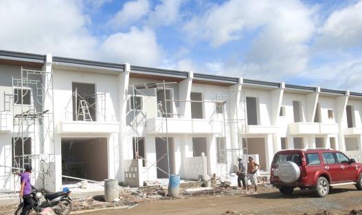 Nhà và đất mặt tiền TL8 giá rẻ tọa lạc nhiều khu tiện ích xung quanh