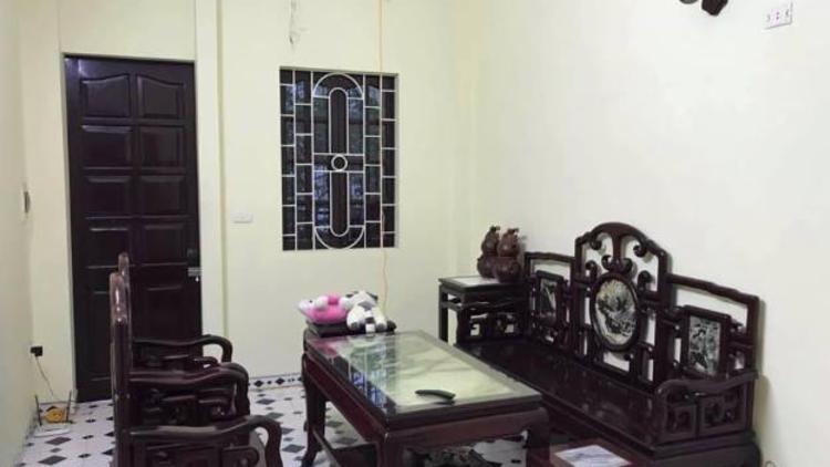 Bán nhà phố Vũ Xuân Thiều giá 3,3 tỷ, 80m2, MT 4m. Oto đỗ cửa