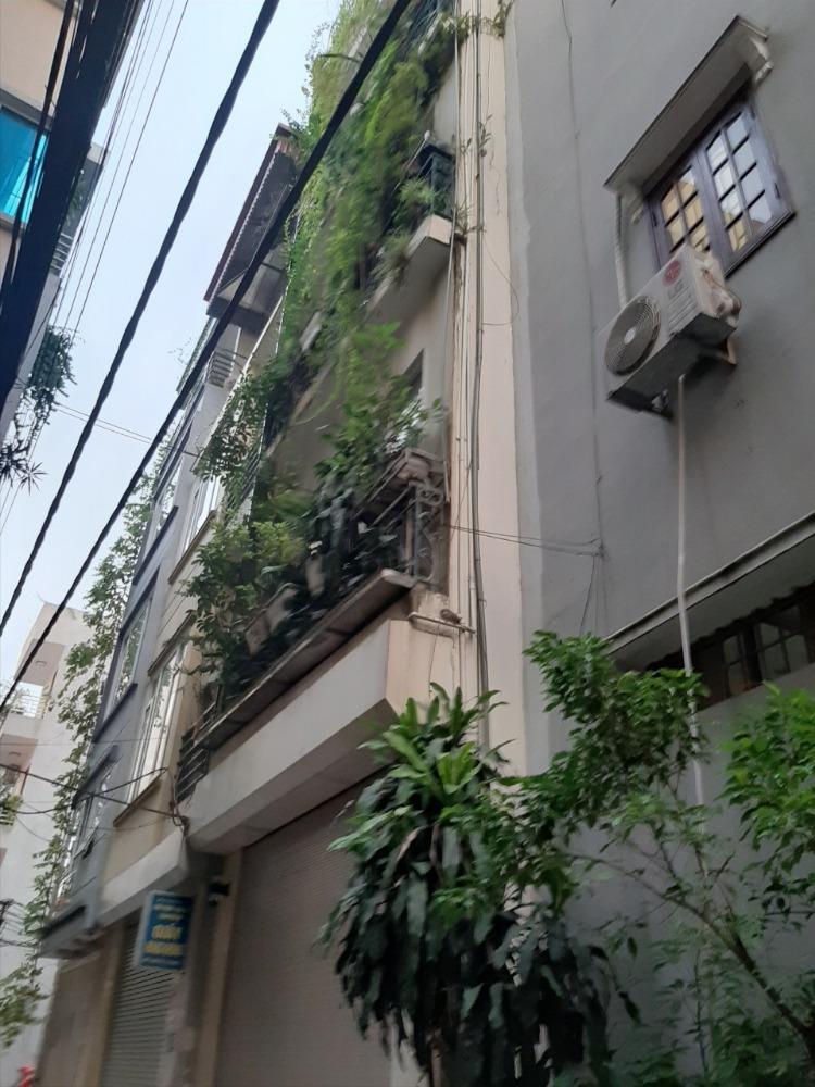 Bán nhà 3 tầng ở Ngọc Lâm dt:37m,mt 4.2 giá chỉ 2,8tỷ, Lh: 0382338939