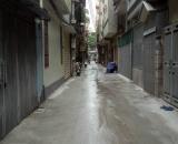 Nhà Cách Mạng Tháng Tám, gần chợ Hòa Hưng, giá 4.75 tỷ.