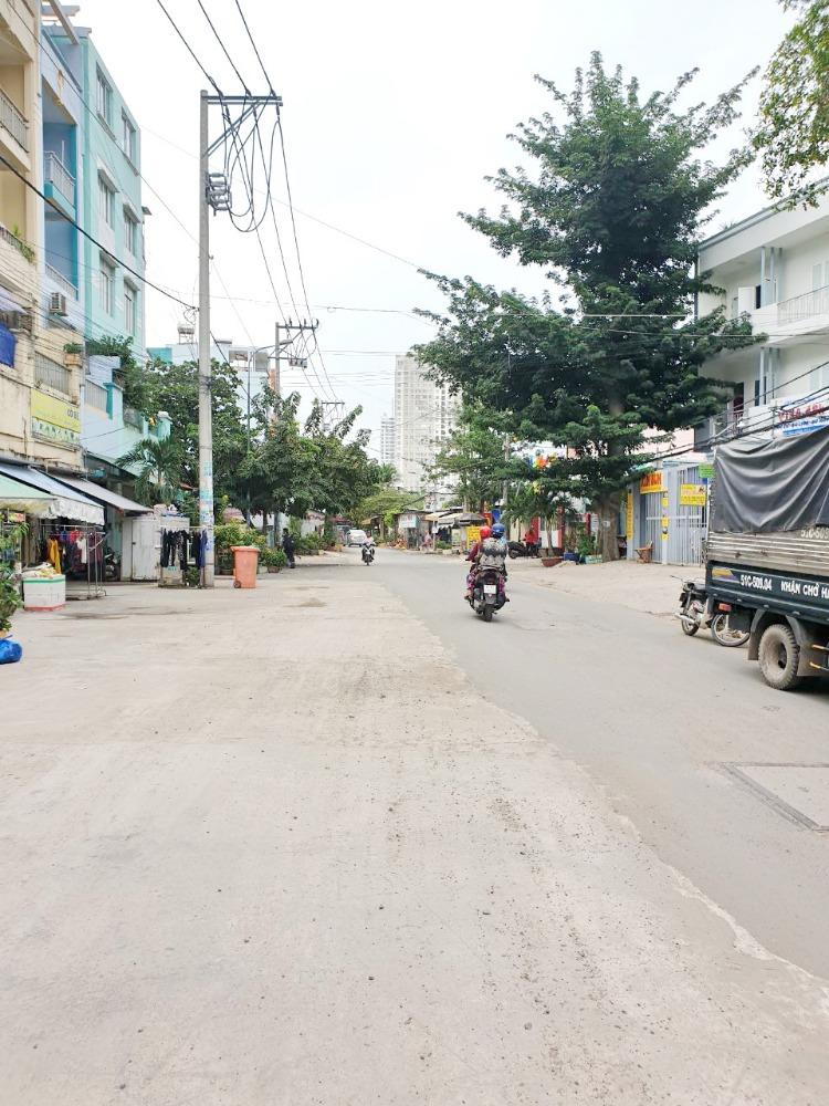 Bán nhà phố 4 lầu mặt tiền đường Tạ Quang Bửu Phường 4 Quận 8 - 0949410410 Hòa
