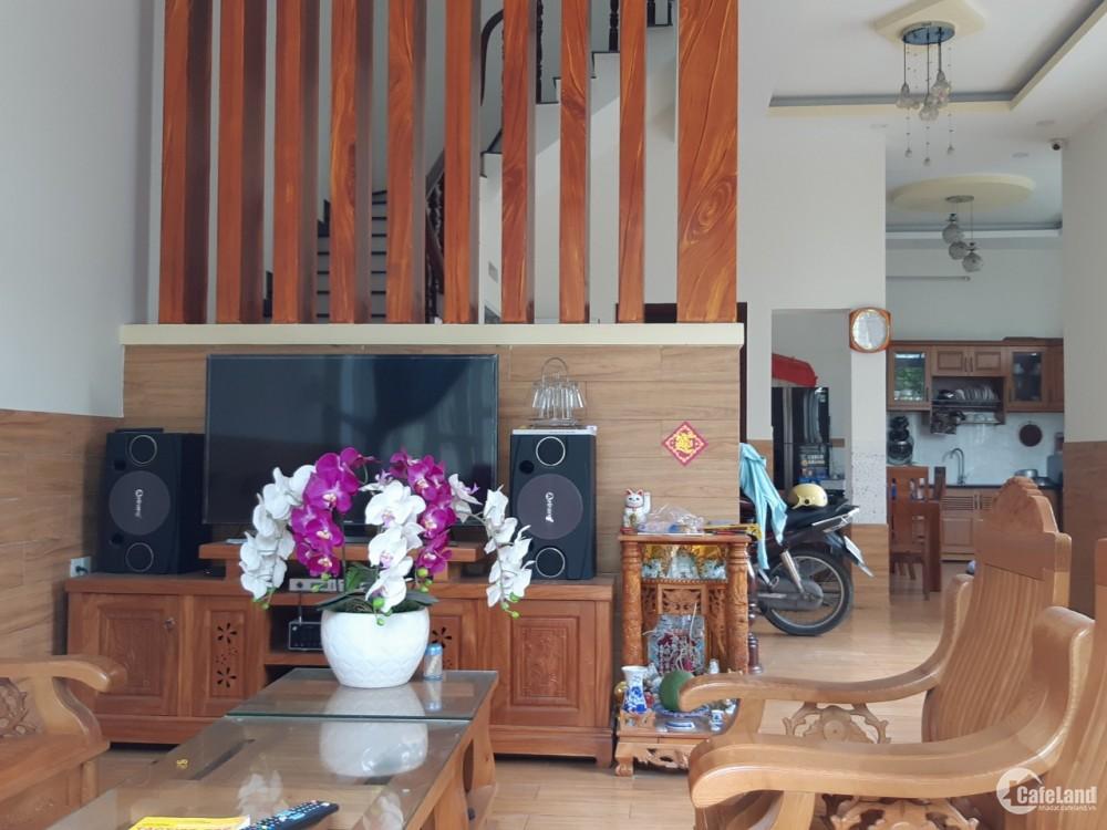 Cần bán nhà ra nước ngoài định cư tại Quận 9, HCM, giá tốt
