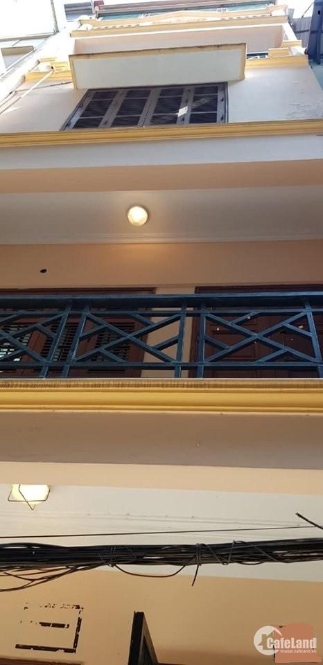 Bán nhà Liễu Giai 30m2 * 4 tầng, Ôtô đỗ cửa. Giá 5,8 tỷ