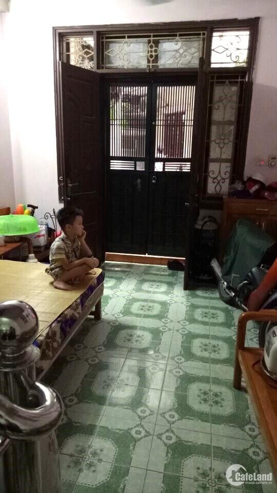 Bán nhà Nguyễn Thái Học, Đống Đa 33m² x 4 chỉ 3.5 tỷ