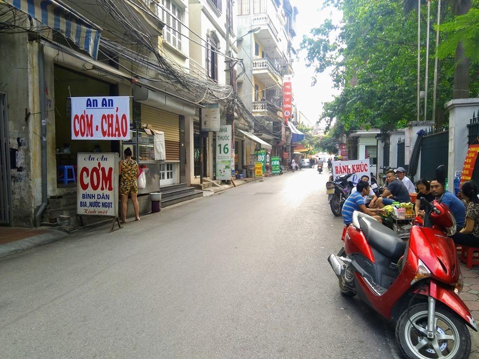 Trung tâm của trung tâm - Kinh doanh sầm uất - ô tô vào tận nhà.