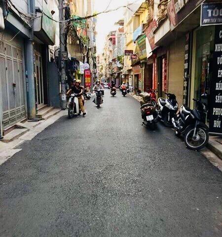 Bán nhà phố Linh Quang ô tô đỗ cửa – Kinh doanh, DT30m2 x 5T, giá nhỉnh 3 tỷ.