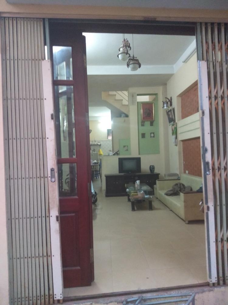 Có nhà bán (hoặc cho thuê) ở gần hồ Đinh Công, gần khu đô thị mới Định Công