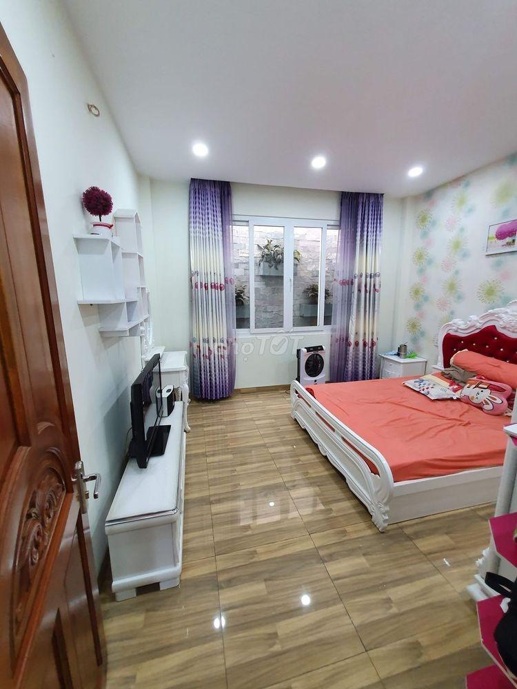 Nhà đẹp giá tốt Lê Văn Quới gần ngã tư Bốn Xã (4x12) 5,5 tỉ