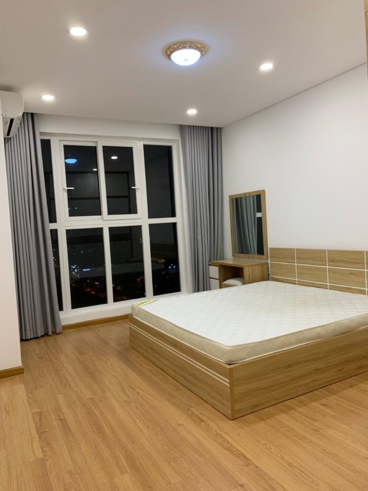 Căn hộ 2 phòng Hưng Phát 2 (Silver Star) có ban công full nội thất, giá 13 triệu